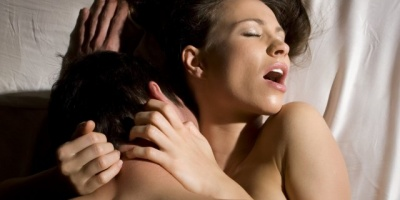 Три найпопулярніші міфи про вподобання жінок у сексі