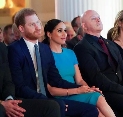 """""""Знайшла спосіб управляти чоловіком"""": Меган Маркл відштовхнула принца Гаррі, щоб пройти вперед"""