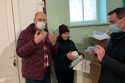 Стало відомо, скільки масок, апаратів штучної вентиляції легенів та іншого медобладнання отримає Буковина