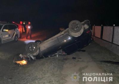 На Буковині п'яний водій протаранив огорожу, після чого хотів підкупити поліцейських