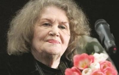 Видатна поетеса Ліна Костенко сьогодні відзначає 90-річчя