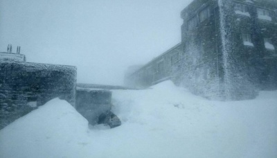 Заметіль і -13: у Карпатах випало більше метра снігу - відео