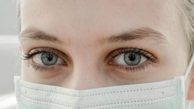 В Україні вперше зафіксували коронавірус у медичних працівників