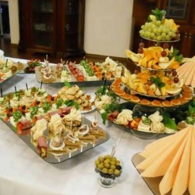 Безкоштовна доставка по м. Чернівці і Садгорі від «З нами смачно!». Комплексні обіди, десерти, пісне меню!*
