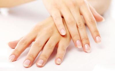 Як зволожити шкіру рук у домашніх умовах: поради дерматолога