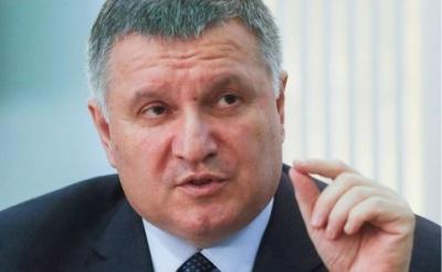 Аваков не виключає, що карантин триватиме до кінця травня