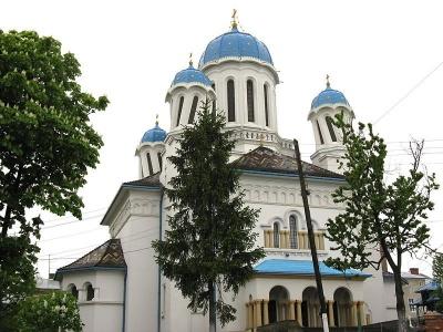 Невідома Буковина: легенда про церкву з «покрученими» куполами