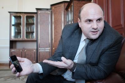 Мунтяна ще на два місяці відсторонили від посади голови Чернівецької облради