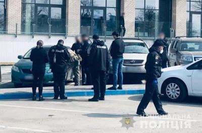 Стрілянина у Чернівцях: поліція розшукує особу, яка вбила 33-річного жителя