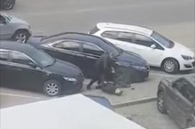 Вбивство у Чернівцях: медикам довелося везти пораненого чоловіка під прицілом його озброєних друзів, – ЗМІ