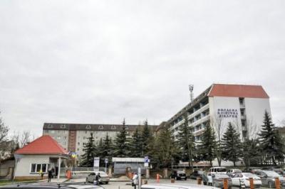 У лікарнях Івано-Франківська померли три людини з пневмонією