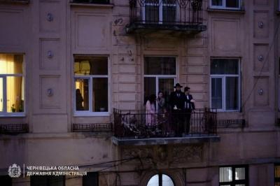 Головний рабин Буковини з балкону закликав святкувати Песах вдома - відео