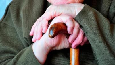 Побив та згвалтував: на Буковині чоловік поглумився над пенсіонеркою