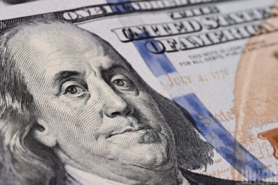 Що робити, щоб гроші водилися і що не можна зберігати в гаманці