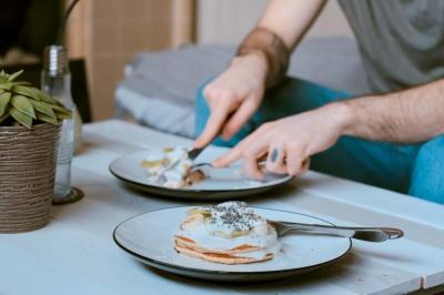 Анекдот дня: про похмільний сніданок