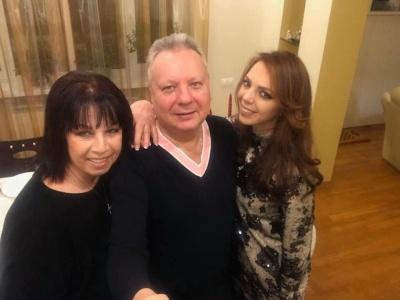 «Тато помер за секунду»: співачка з Чернівців розповіла про смерть батька