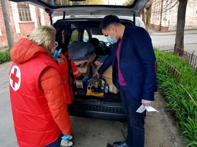 Апарат для аспірації, ковдри: лікарня на Буковині отримала гуманітарну допомогу з Австрії
