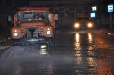 Каспрук розповів, чим у Чернівцях дезінфікують вулиці та під'їзди будинків