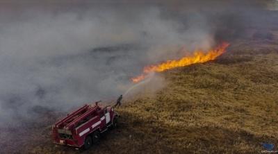 У Чорнобильській зоні у лісах пожежі тривають дев'ятий день - фото
