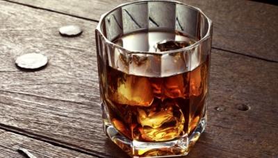 Алкоголь не захищає від коронавірусу, а загрожує життю – ВООЗ