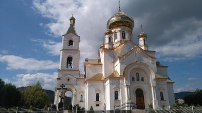 У Мукачеві на Великдень закрили всі церкви