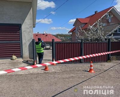 Між дружиною і чоловіком виникла суперечка: у поліції розповіли деталі жахливого вбивства на Буковині