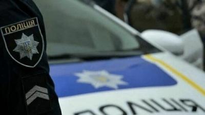 У Чернівцях у спальному районі у чоловіка вилучили зброю