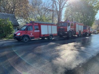 У Чернівцях із пожежі врятували шістьох дітей і двох дорослих - фото