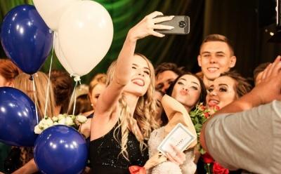 Очільниця МОН назвала умову проведення шкільних випускних в Україні