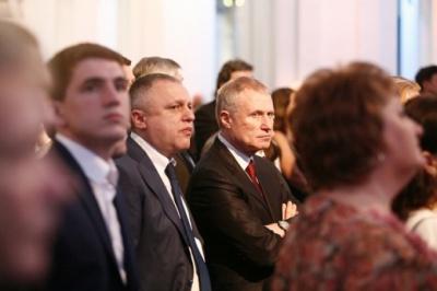 """Верховний Суд відклав розгляд справи про вклади Суркісів у """"ПриватБанку"""". Судді заявили про тиск"""