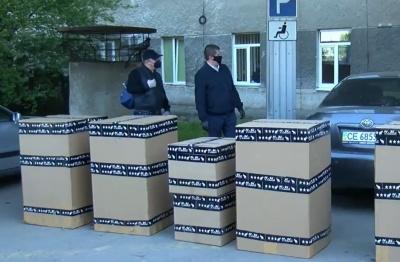 Екс-нардеп Бурбак з групою підприємців подарували лікарням Чернівців п'ять апаратів ШВЛ – відео