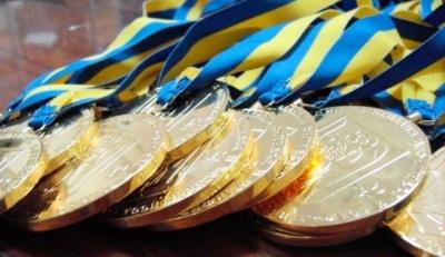 У Чернівцях 30 спортсменам і тренерам призначили стипендії та грошові винагороди