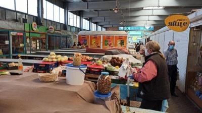 Ще одне місто Буковини вирішило передчасно відкрити продуктовий ринок