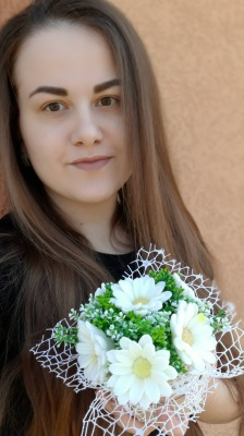«Такі квіти не в'януть роками»: буковинка створює букети з мила
