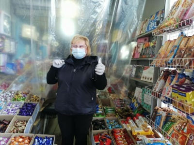 Захисні екрани та антисептики: як дотримуються карантину на ринках Чернівців – фото