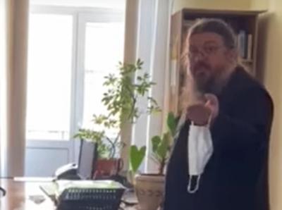 «Релігійний тероризм»: експерт дав оцінку діям священнослужителя, який кашляв на працівників «МБ»