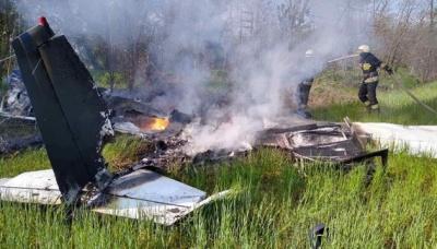 На Дніпропетровщині впав чотиримісний літак. 2 людини загинули