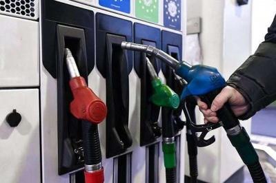 В Україні рекордно впали ціни на бензин і дизпаливо