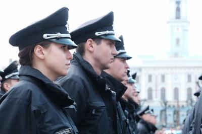 Кадровий голод: у патрульній поліції Буковини бракує сотні працівників