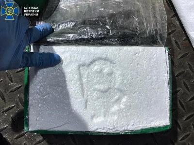"""У порту """"Південний"""" в ящиках з бананами виявили кокаїн на 200 мільйонів"""