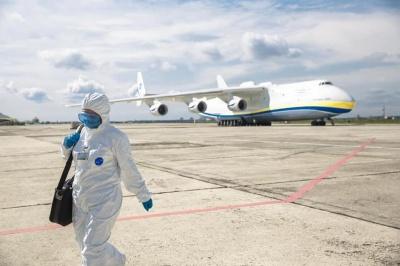 У лікарні Буковини везуть велику партію засобів захисту: в ОДА запевняють, що цього вистачить на два місяці