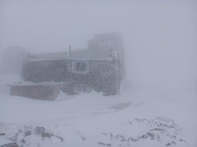 У Карпатах - хуртовина: випало 15 см снігу