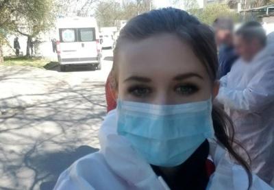 «Чувствую себя плохо»: молодая врач, у которой обнаружили COVID, обратилась к Черновцов