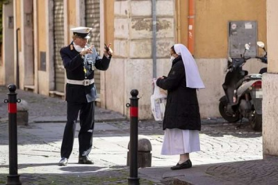 Італія відновить меси у храмах з 18 травня