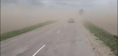 Дорогу на Коломию накрила пилова буря - відео
