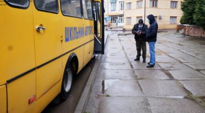 Чернівецька міська рада віддасть ще 175 тисяч на перевезення медиків протягом травня