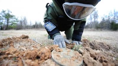 Внаслідок агресії РФ в Україні 21 тисяча кв. кілометрів забруднені мінами