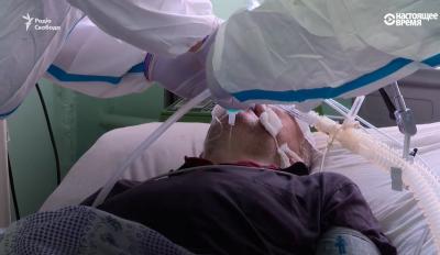 «Це дуже страшна смерть»: журналісти показали, як у Чернівецькій лікарні рятують важких хворих від COVID