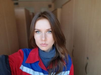 «Страшно, що принесла додому COVID»: молода лікарка з Чернівців розповіла, як інфікувалась коронавірусом