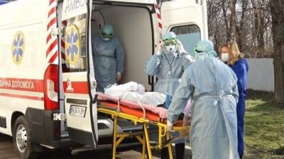У селі на Прикарпатті 20 людей захворіли на коронавірус після масового застілля